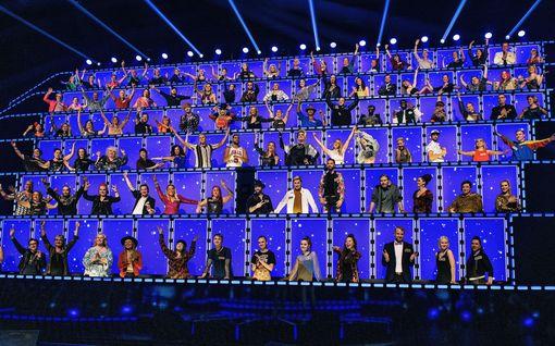 Tässä he nyt ovat! All Together Now -kisassa on sata tuomaria - Mukana todellisia tähtiä