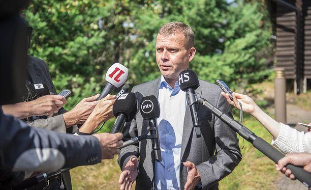 Valtiovarainministeriön virkamiesjohto aloitti tiistaina kaksipäiväisen kokouksensa Espoon Soukassa VM:n budjettiehdotuksensa laatimiseksi. Orpo puhui medialle tiistaina Espoossa ja piti virallisen tiedotustilaisuuden keskiviikkona. Kuva tiistailta.