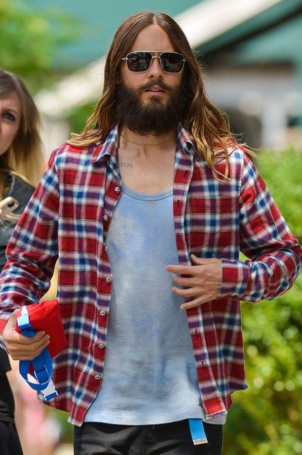 Jared Leto ja iso parta.