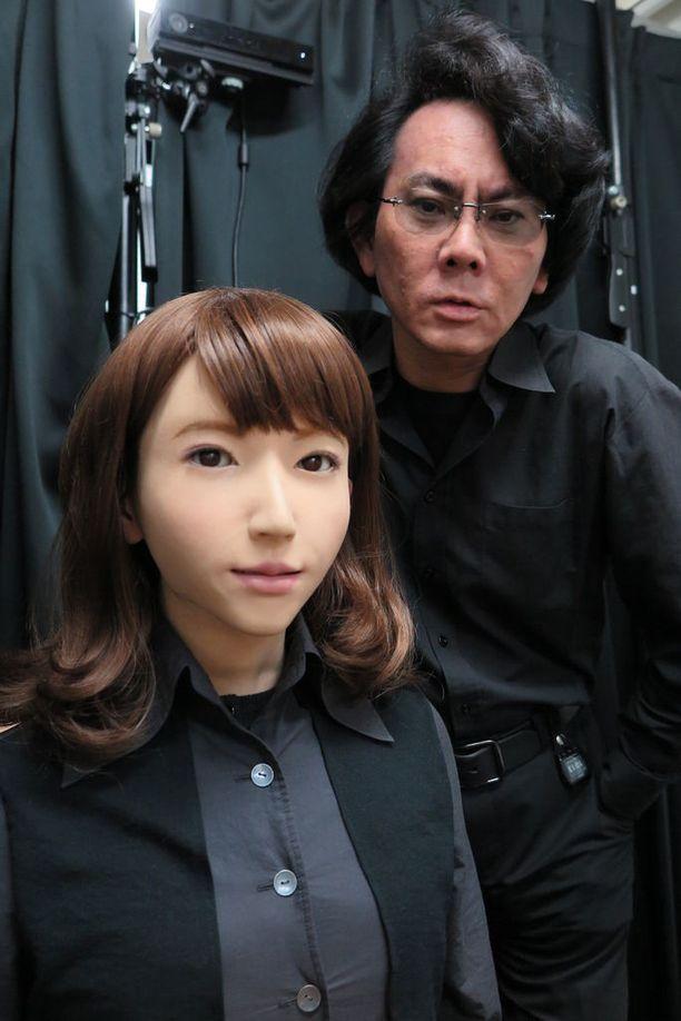 Erican kehittäjä Hiroshi Ishiguro uskoo, että jonain päivänä ihmiset ja robotit voivat rakastaa toisiaan.