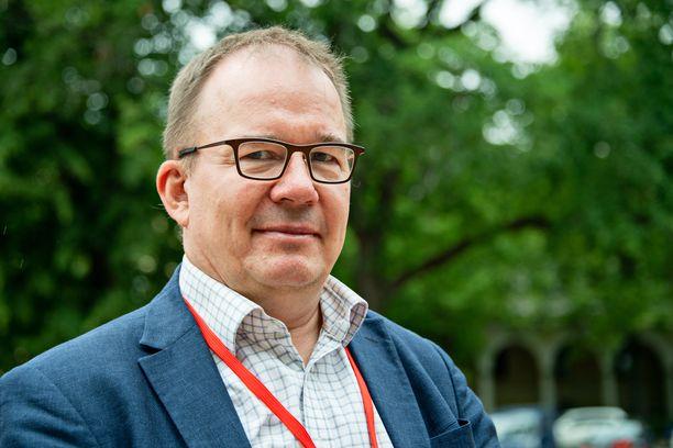 Useat ulkomaiset tiedustelupalvelut toimivat aktiivisesti Suomen maaperällä, kertoo Supon päällikkö Antti Pelttari.