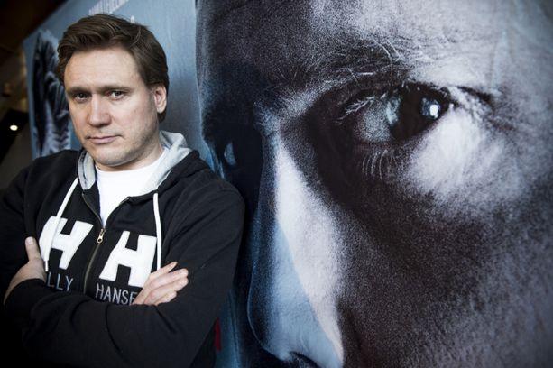 Samuli Edelmann nähtiin myös Tappajan näköinen mies -elokuvassa.