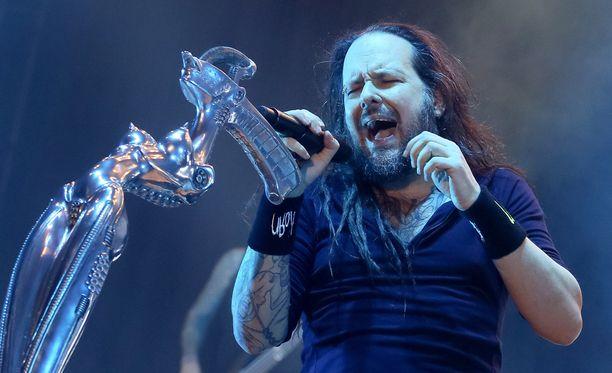 Jonathan Davis ja muut Korn-muusikot eivät epäröineet palkata 12-vuotiasta Tye Trujilloa.