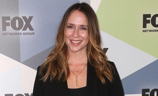 Jennifer Love Hewitt, 39, tunnetaan esimerkiksi televisiosarjoista Viiden juttu ja Aavekuiskaaja.