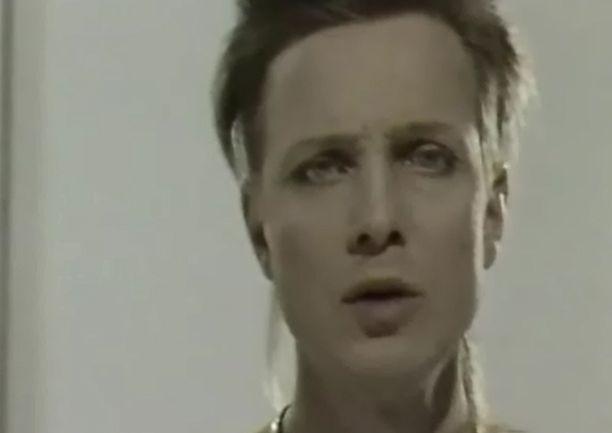 Pavelle paljastui vasta muutama vuosi sitten, että Jano-kappaleen lyriikat viittaavat joidenkin mielestä seksiin.