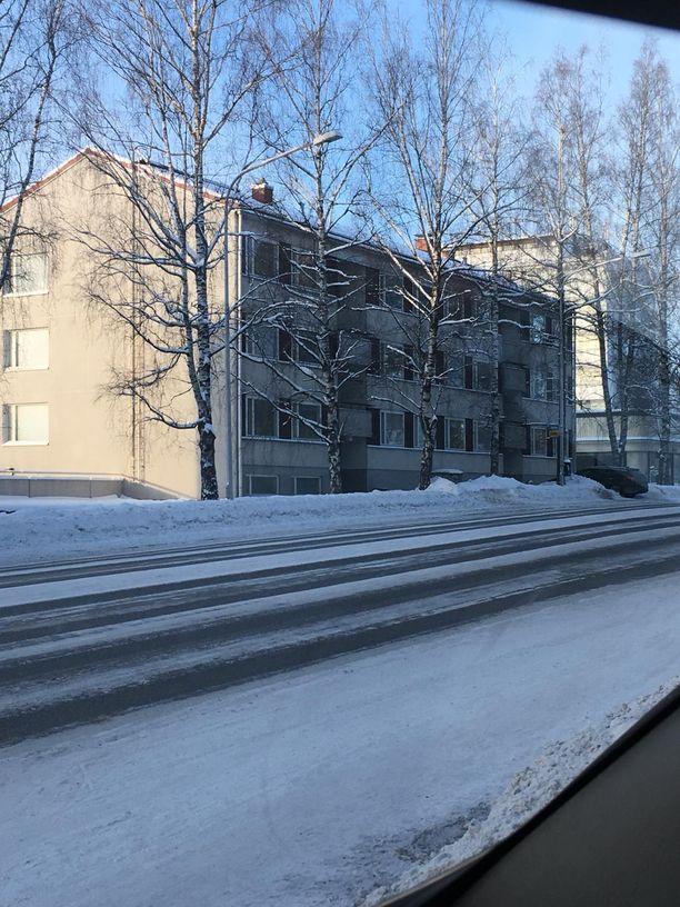 Epäillyt murhat tehtiin tässä talossa Valkeakoskella Lempääläntiellä.