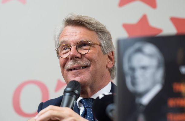 Wahlroos saa veronpalautuksia yli 2,4 miljoonaa euroa.