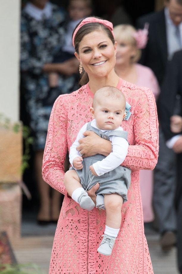 Kruununprinsessa Victoria on kahden lapsen äiti.