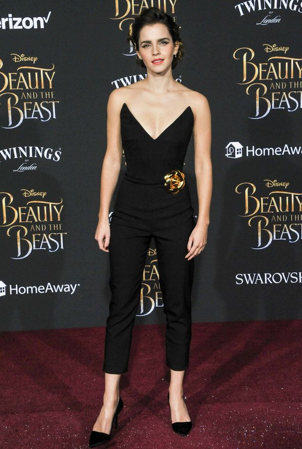 Emma Watson nähtiin elokuvaensi-illassa torstaina.