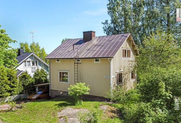 Helsingissä kiinnostusta keräsi myös Vartiokylässä sijaitseva rintamamiestalo. Vuonna 1954 valmistunut talo sijaitsee metroaseman läheisyydessä. Talo on osa kulttuurihistoriallisesti arvokasta Puotinharjun Orvokkitien omakotialuetta.