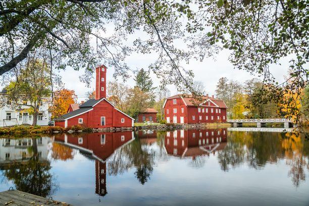 Loviisan Ruotsinpyhtäältä löytyy hyvin säilynyt Strömforsin ruukkikokonaisuus.