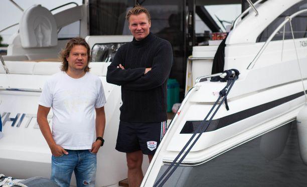 Kuvassa Jani Hurme Hangon Poker run -regatassa Raine Lehtisen kanssa.