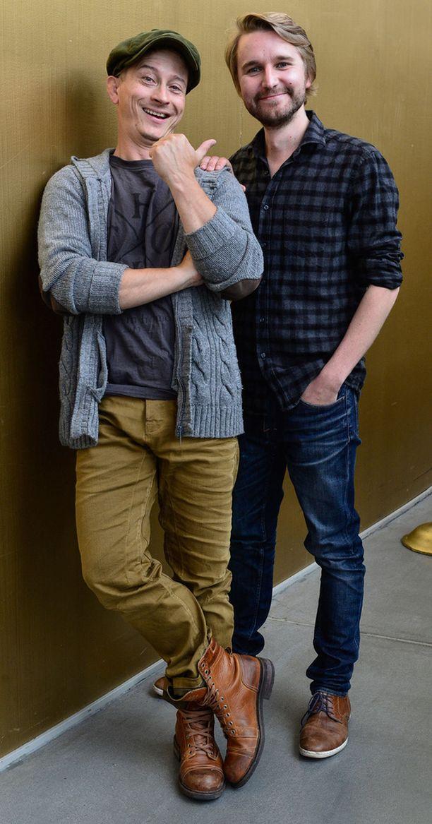 Kaverukset Kari Ketonen ja Joonas Nordman poseerasivat leffan pressinäytöksessä.