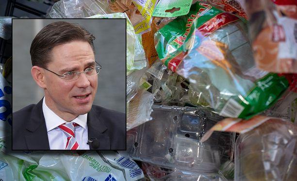 EU-komission varapuheenjohtaja Jyrki Katainen perustelee esitystä tiedotteessa.