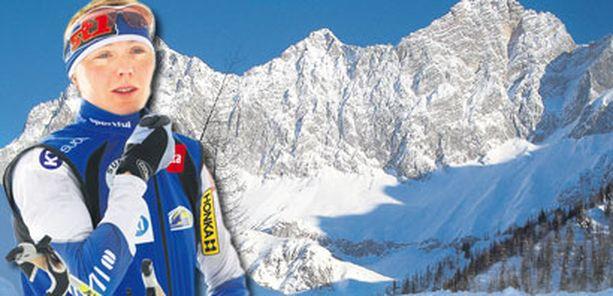VAARA – Railoja en ole koskaan tällä hiihtopaikalla nähnyt yhtä paljon, Virpi Kuitunen arvioi harjoitteluolosuhteita Ramsaussa.