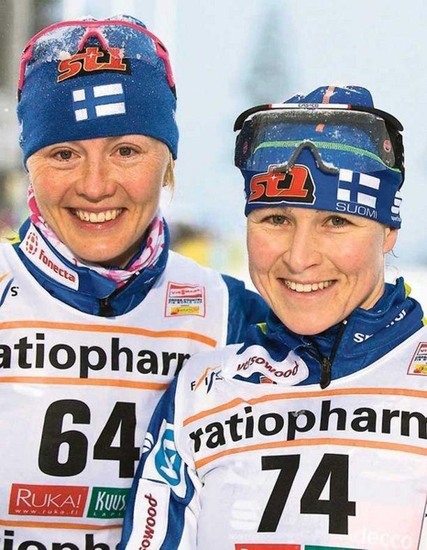 Virpi Kuitunen ja Aino-Kaisa Saarinen hiihtivät palkintopallille Davosissa.