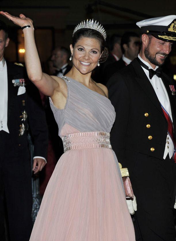 Ruotsin kruununprinsessa Victoria ja Norjan kruununprinssi Haakon.