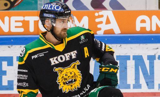 Ilveksen Sami Sandell jätti keskiviikon SaiPa-ottelun kesken.