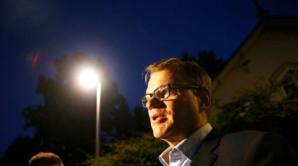 Juha Sipilän (kesk) hallituksella piisaa työsarkaa, jotta työttömyyskäyrät saataisiin kääntymään.