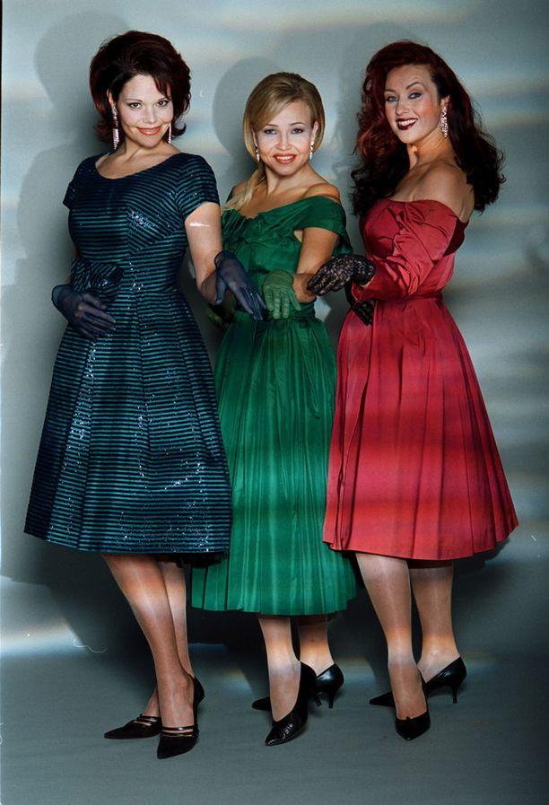 Kolme tangokuningatarta eli Eija Kantola, Marita sekä Saija Varjus tekivät 2001 yhteiskiertueen, jolla esittivät ikivihreitä lauluja.