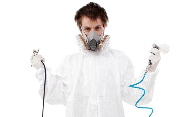 Jos et ole kemisti, älä sekoittele vahvoja kodinaineita keskenään.