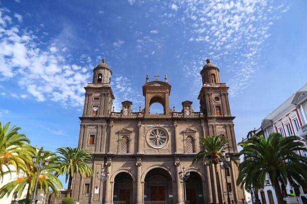 Komean katedraalin vanhimmat osat ovat 1500-luvulta.