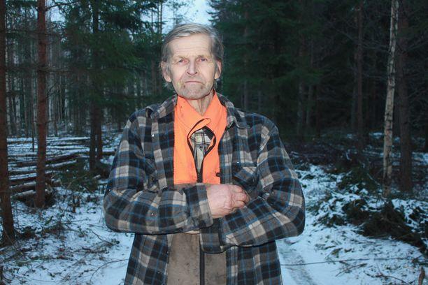 - Viimeisen flunssani sairastin 23-vuotiaana. Tämä on ulkoilman ja –työn ansioita. Kun tekee hommia joka säällä, karaisee se kehoa, 70-vuotias metsuri Jaakko Pessinen tuumaa.