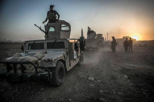 Peshmergat vapauttavat nyt kyliä Mosulin lähialueilta. Valtauksilla pohjustetaan hyökkäystä itse kaupunkiin, mutta toisteiseksi ei ole selvää, mikä on kurdien rooli taisteluissa. Kuva viime keskiviikolta.