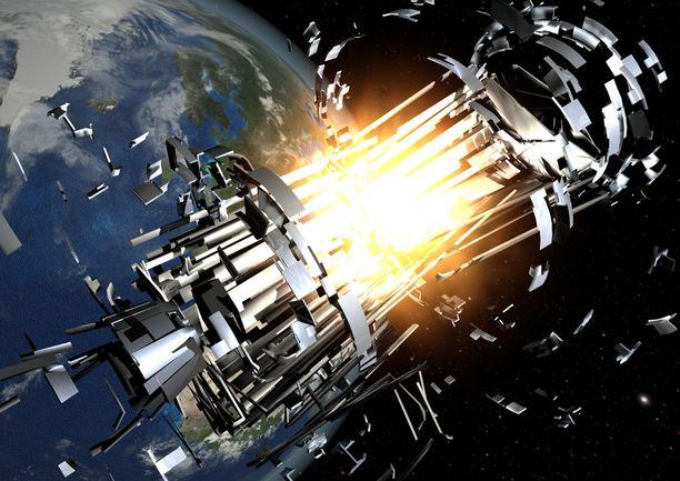 Pienikin avaruusromun palanen voi tehdä suurta tuhoa satelliiteille, koska  kappaleiden törmäysnopeus voi olla jopa 35 000 km/h.