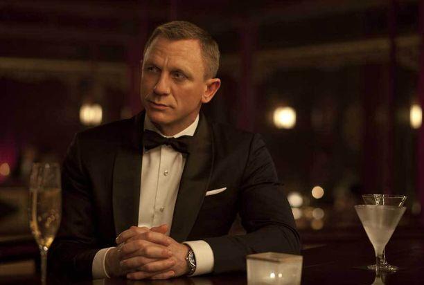 James Bondkin sen tietää – upea kello kuuluu herrasmiehen tyyliin. Kuvassa Daniel Craig elokuvassa Skyfall (2012).