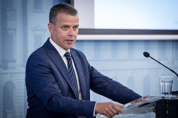 Petteri Orpo saa kokoomuksen hallituskumppani keskustan kansanedustajalta täyslaidallisen niskaansa budjettiesityksestä.