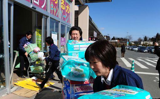 Ensimmäinen ruokakauppa avasi ovensa pahoin kärsineessä Sendaissa