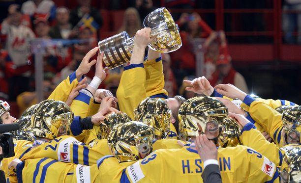 Ruotsalaiset aiheuttivat pienimuotoisen kultakypäräkohun vuonna 2013.