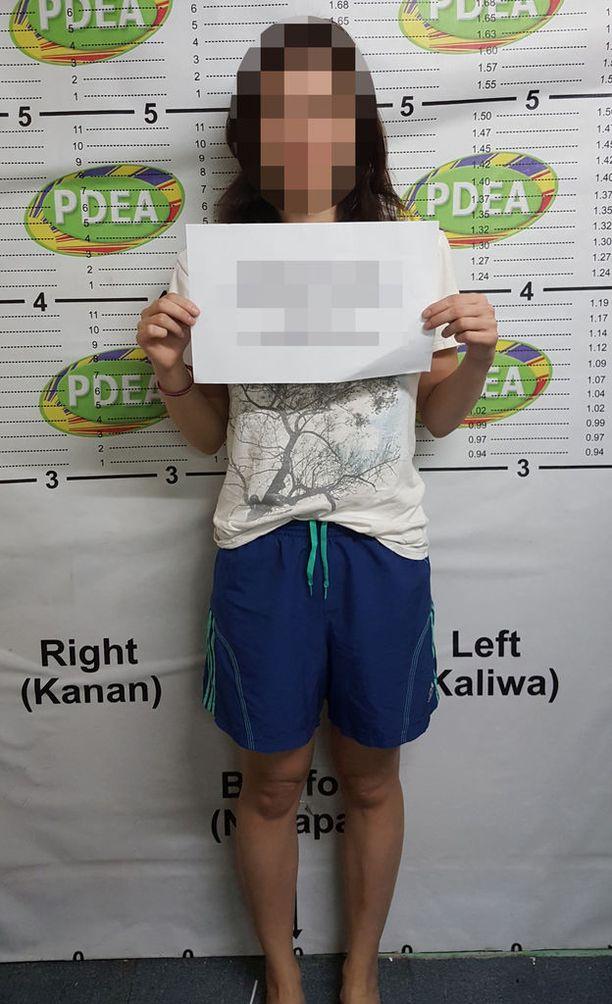 Suomalaisnainen on syytettynä Filippiineillä huumausaineiden ja tuliaseiden hallussapidosta.