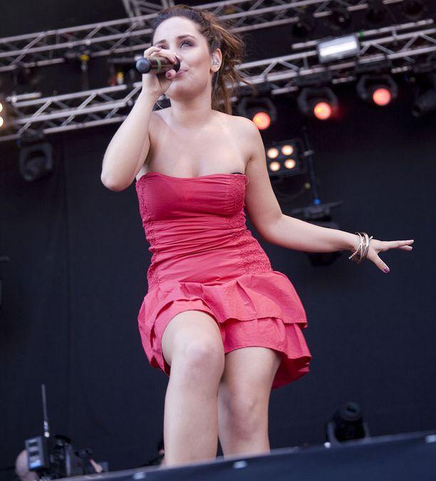 Anna esitti muun muassa hittinsä Hysteria ja Music Everywhere.