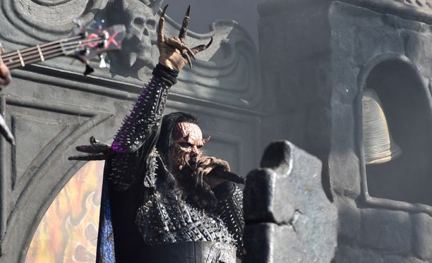 Lordi-yhtyeen Tomi Putaansuu villitsi metallikansaa viime perjantaina Tuskan päälavalla.