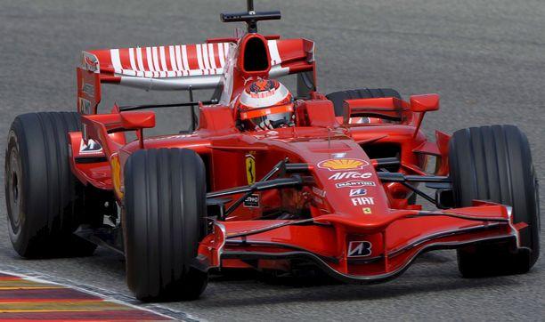 Kimi Räikkönen testasi Ferraria Mugellon radalla vuonna 2009.