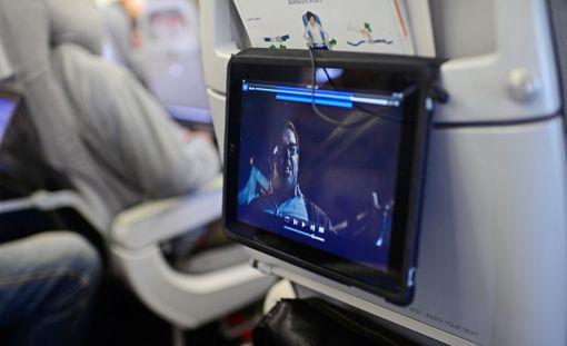Tämä ei jatkossa onnistu kaikilla Yhdysvaltoihin matkaavilla lennoilla, uutisoi Reuters.
