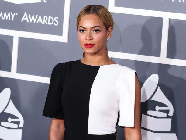 Laulaja Beyoncé esittää uudessa Leijonakuninkaassa kappaleen Can You Feel The Love Tonight, joka on tuttu myös animaatioversiosta.