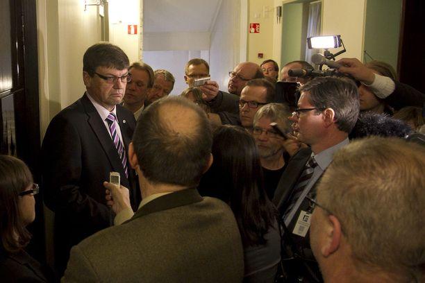 Valtakunnansyyttäjä Matti Nissinen huomauttaa, että syyteharkintaan päätynyt tapaus on vielä kaukana tuomiosta.