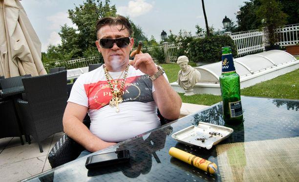 """""""Pornokuninkaaksikin"""" tituleerattu Mille Markovic kuvattiin vuonna 2011 luksushotelli Villajenevalla, Serbiassa."""