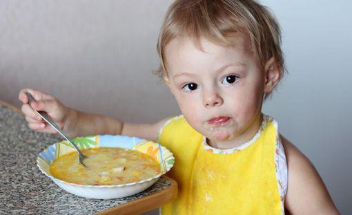 Jotkin kunnat tarjoavat lapsille eettisesti valitun ruokavalion mukaista ruokaa vanhempien oman pyynnön perusteella. Kuvituskuva.