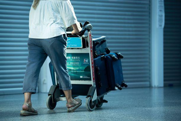 Matkapäätöstä ei kannata jättää viime hetkelle mahdollisten koronarajoitusten vuoksi.