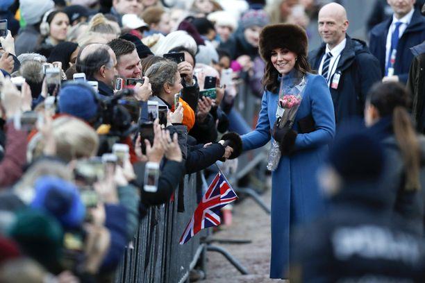 Herttuatar Catherine villitsi kansaa Oslossa.