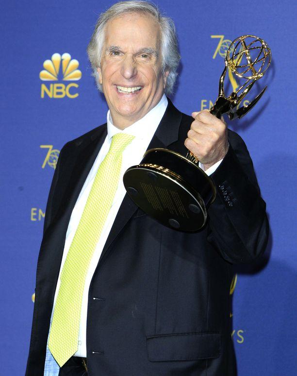 Henry Winkler sai elämänsä ensimmäisen Emmy-palkinnon.