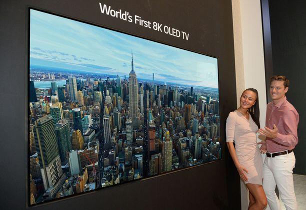 LG:n 8K-televisiolla on kokoa 88 tuumaa.