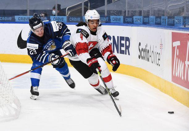 Kasper Simontaival pelasi pirteästi Sveitsiä vastaan.