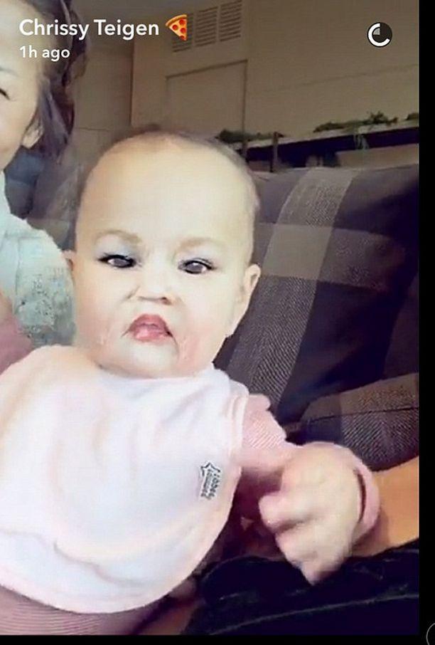 Luna-tytär sai meikit kasvoilleen, kun äiti innostui käyttämään make-up -filtteriä.