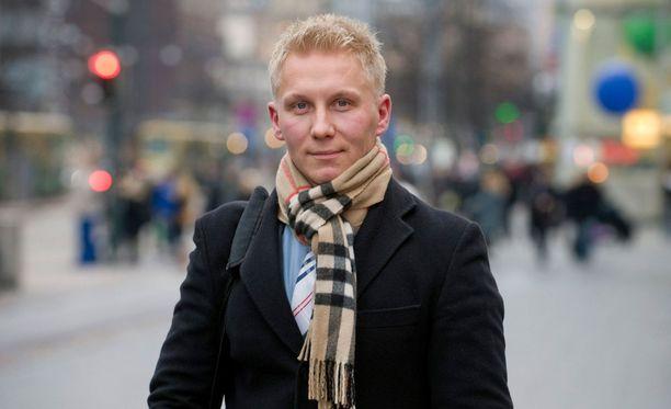 Mikael Jämsänen tuli suomalaisille tutuksi isyystaistelijana. Hänen ansiostaan vanhentuneeseen isyyslakiin tehtiin muutos.