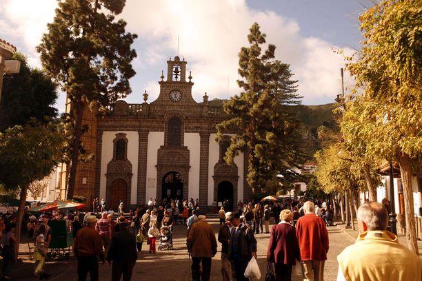 Mäntypuuhun ilmestyneelle Marialle omistettu kirkko on tärkeä pyhiinvaelluskohde.